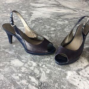 Lovely navy heel.